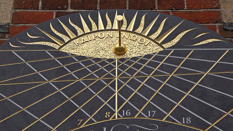 Sundial at Selwyn College